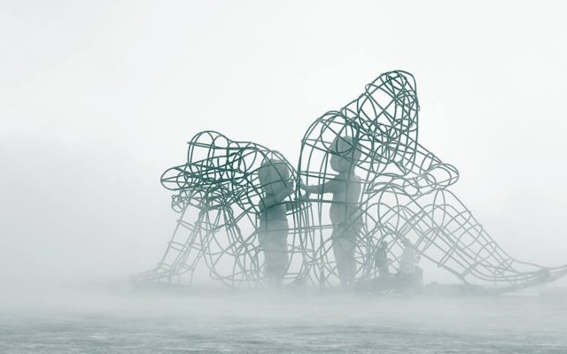 Artist Captivates Thousands With Powerful Sculpture 'Love' at Burning Man 2015