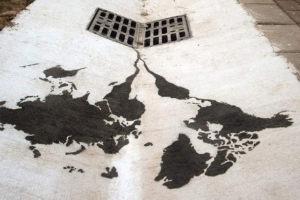 Street Artist Spreads Powerful Message About the State of the World
